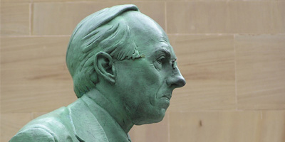 Sculpture of Donald Dewar