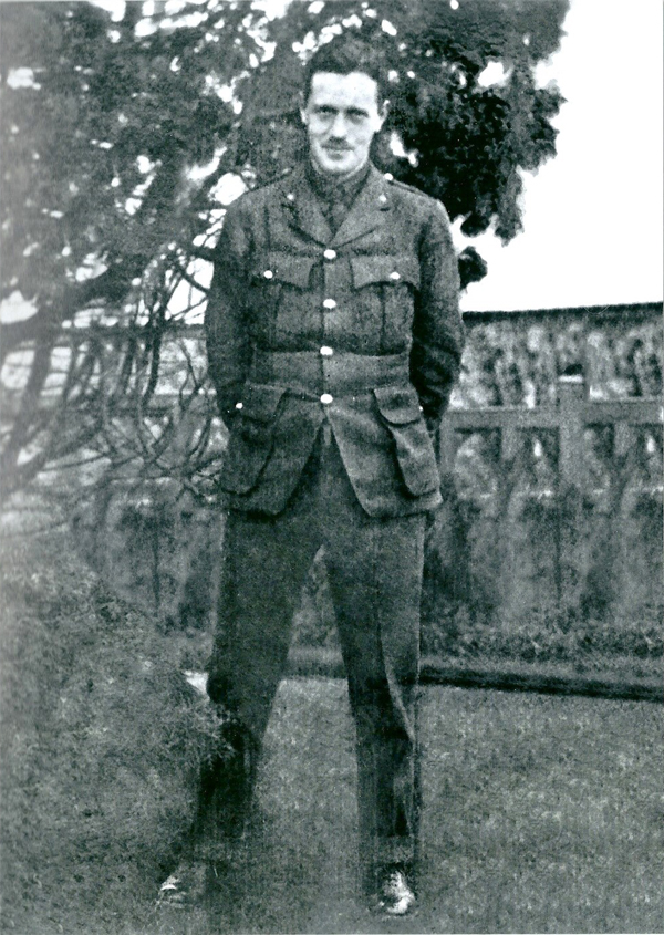 Informal photograph of Charles W Yule in subaltern's uniform, circa 1915, courtesy of Fiona Gregg-Smith