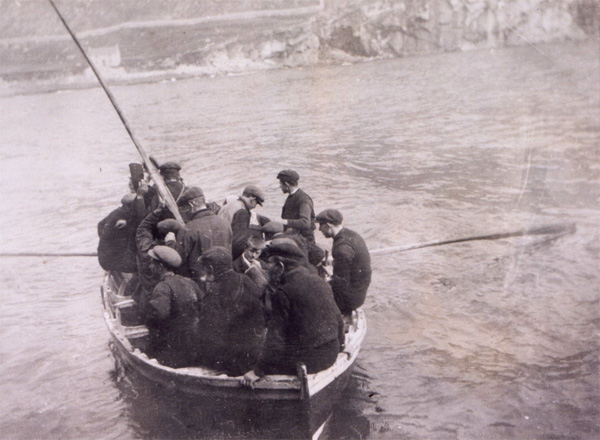 A St Kildan ferry boat, c1913 (National Records of Scotland, GD1/713/1)