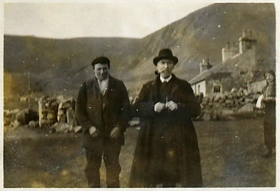 Rev Dugald Maclean and a St Kildan youth, 1911 (National Records of Scotland, GRO5/324/80E)