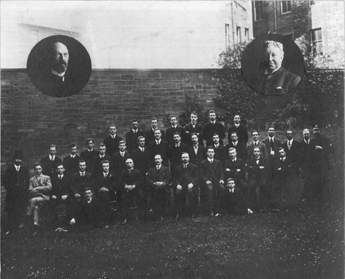 Group photograph of 1911 census staff, National Records of Scotland GRO6/464/10.
